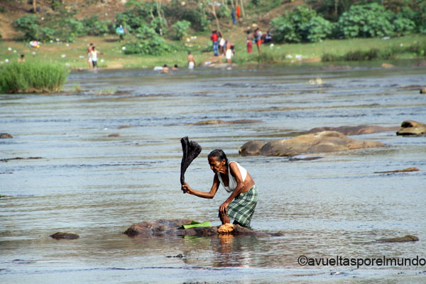 Montañas-Munnar-agua