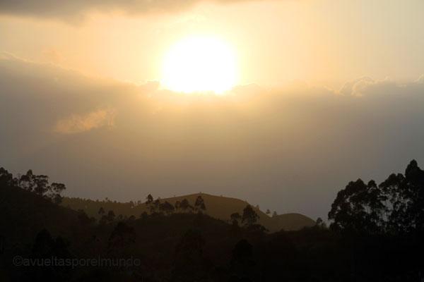 Montañas-Munnar-atardecer